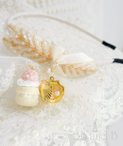BEADING HEADBAND WITH MACARON AND SEASHELL PHASE BOX IN CREAM