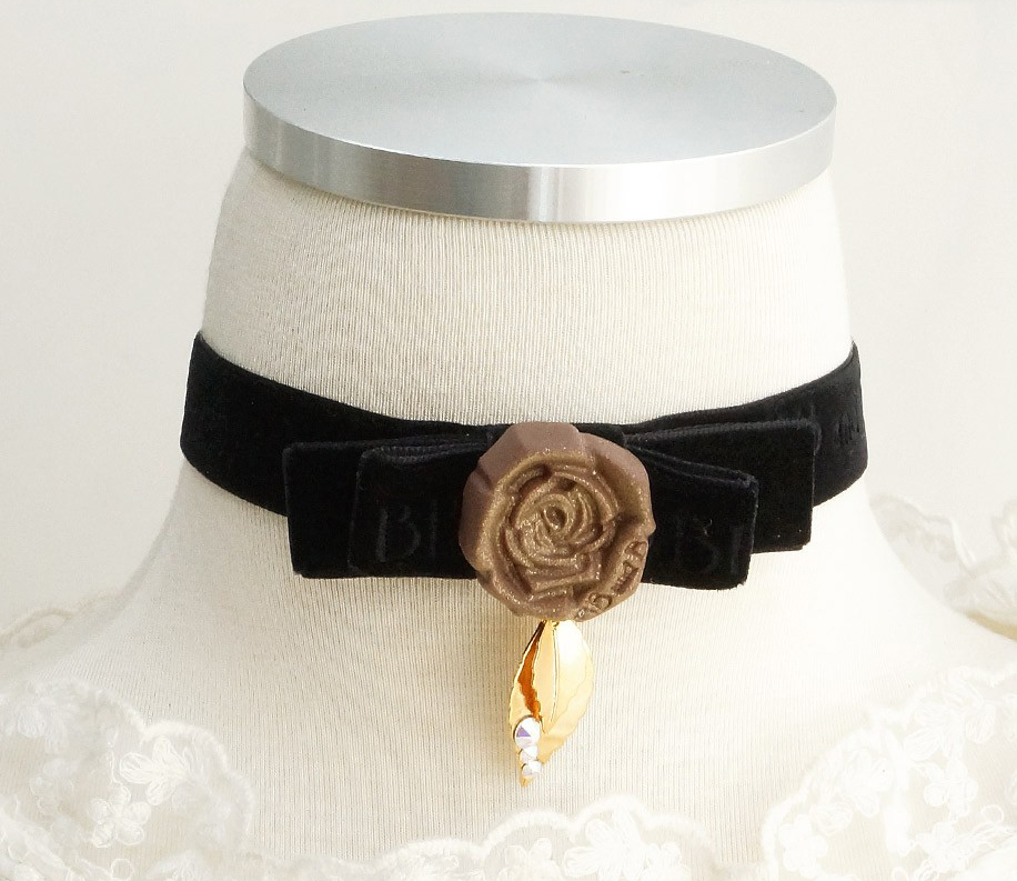 Rose Chocolate Black Velvet Choker