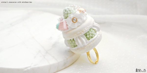 Winter's Macaron Ring with Mintberries